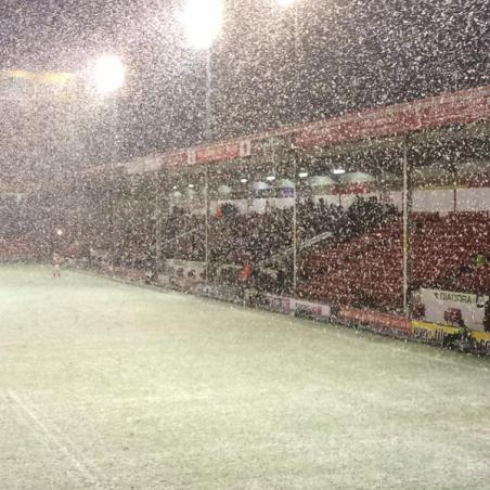 vic morgan @swindonred - Here's some snow for you @FionaKateM