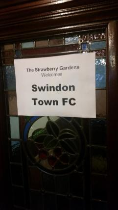 @dphunt88 Nice touch from the Strawberry Gardens pub in Fleetwood! Northern people are good folk! #STFC