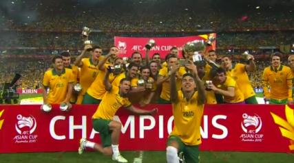 Massimo Luongo Asia Cup Selfie